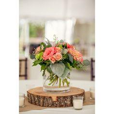 Centros de mesa de estilo rústico para tu banquete de boda | HISPABODAS