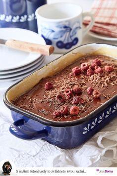 Znáte červené brownies? Slibuji čokoládovou chuť, vláčnost a k tomu porci zdraví. Do těsta je totiž přidaná červená řepa. Upéct je můžete ve smaltovaném nádobí, které oblíbené díky svému krásnému vzhledu. Moderní smaltované nádobí můžete použít i na indukci! Tiramisu, Ice Cream, Brownies, Treats, Ethnic Recipes, Sweet, Desserts, Food, No Churn Ice Cream