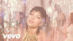 Get E•MO•TION on iTunes now: http://smarturl.it/E-MO-TION Director: Petra Collins DP: Kevin Hayden Producer: Sydney Buchan Producer: Caroline Conrad Producti...