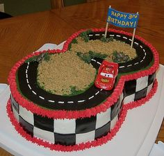 Lightning Mcqueen Race Track Cake Made this cake for my son's Birthday. Everything is edible except the skewers for the Banner and. Harry Birthday, 3rd Birthday Cakes, Race Car Birthday, Race Car Party, Cars Birthday Parties, Birthday Ideas, Third Birthday, Race Track Cake, Lightning Mcqueen Party