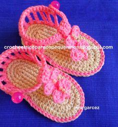 CROCHE E TRICO PARA OS PEQUENINOS: Sandália de crochê para bebe
