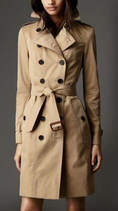 how-to tie your trench the Burberry way