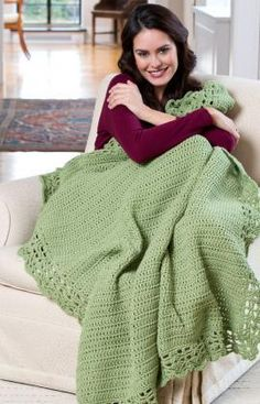 Crowning Achievements Throw Free Crochet Pattern from Red Heart Yarns