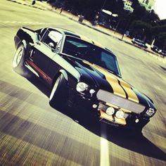 Ford Mustang Shelby GT500... Good lookin' ride right there!