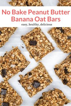 These delicious oatmeal bars with peanut butter, bananas, and chocolate chips are no bake and couldn't be easier to make! Great for kids and a healthy snack or breakfast option. Muesli Bars, Oat Bars, Oatmeal Bars, Peanut Butter Banana Oats, Peanut Butter Roll, Nutritious Breakfast, Healthy Breakfast Recipes, Snack Recipes, Flapjack Recipe