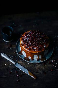 banana pomegranate caramel cake (gf)