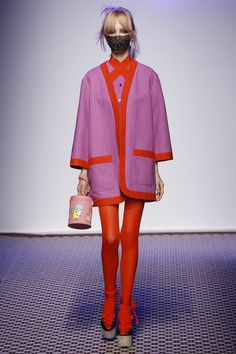 Olympia Le-Tan Spring 2016 Ready-to-Wear Collection Photos - Vogue  easy trim/quilting