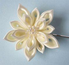 """Канзаши (цветы из ткани). Канзаши (яп.… - """"hand-made""""— я.ру"""