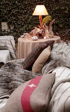 cozy, love this outdoor space, with the ivy backdrop. Outdoor Garden Rooms, Outdoor Spaces, Outdoor Living, Outdoor Retreat, Old Mattress, Mattress Covers, Fresco, Rustic Elegance, Warm Blankets