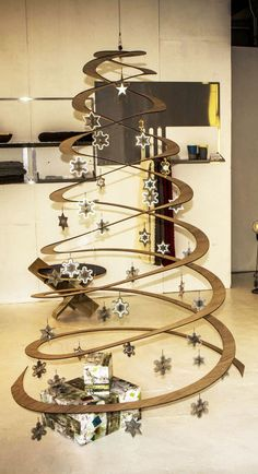 """Flat-Packed Pop-Up X-Mas Tree"" with ""3Dwinkle Stars""  design by Zev Bianchi   (resident designer at Protohub)  www.facebook.com/Protohub"