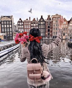 As claimed by much of those who have been there for an Amsterdam trip, the city is really attractive to look at and pleasing to walk around. Amsterdam Photos, Amsterdam City, Amsterdam Travel, Paris Travel, Cute Kids Photography, Travel Photography, Latina, Holland, Europa Tour