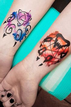 27 Inspiring Wolf Tattoo Ideas For Your Skin - You are in the right place about 27 Inspiring Wolf Tattoo Ideas For Your Skin Tattoo Design And Sty - Simplistic Tattoos, Unique Tattoos, Cute Tattoos, Small Tattoos, Cool Couple Tattoos, Wolf Paw Tattoos, Wolf Tattoos For Women, Tattoo Wolf, Owl Tattoos