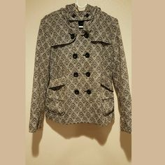 Aztec print Coat Thick coat, kept me warm. Good condition Forever 21 Jackets & Coats Pea Coats