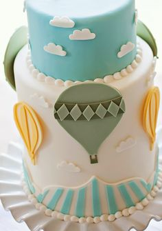 See images of hot air balloon cake, monkey cake, frog topped cupcakes, & more party ideas. Pretty Cakes, Beautiful Cakes, Cupcakes Lindos, Hot Air Balloon Cake, Air Ballon, Cakes For Boys, Creative Cakes, Cake Creations, Celebration Cakes