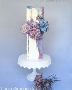 Lucia Simeone - Fabulous 'water colour' cake with wafer paper hydrangeas
