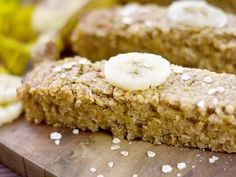 beurre, flocons d'avoine, sucre roux, miel, banane, cannelle Sweet Recipes, Cake Recipes, Vegan Recipes, Banana Dessert, Healthy Cake, Happy Foods, Healthy Snacks For Kids, Sweet Cakes, Cooking Time
