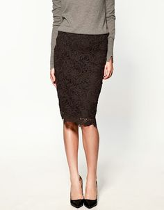 This Zara lace skirt is a great 'Go-To' for #WhatToWearToWork