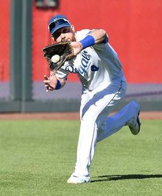 Kansas City Royals left fielder Alex Gordon made a catch for the final out of the top of the third inning at Wednesday's ALCS playoff baseball game on October 15, 2014 at Kauffman Stadium in Kansas City, MO.
