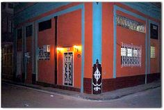 Fachada de la vivienda. Cuba, Broadway Shows, Havana, Parks