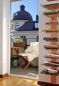 Interesting Bookshelf idea. Possibly an earthquake nightmare though (not kid friendly in the least).