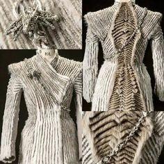 Game of Thrones Daenerys Targaryen winter coat Got Costumes, Theatre Costumes, Movie Costumes, Cosplay Costumes, Game Of Thrones Dress, Game Of Thrones Cosplay, Game Of Thrones Jewelry, Game Of Trone, Textiles