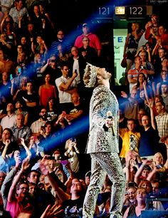 Queen + Adam Lambert - United Center - Chicago, IL - 6/19/14 - alikat1323