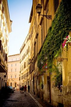 The reason I could move to this country: Streets of Rome  Spent Christmas in Rome