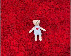 Entwerfen Sie Ihre eigenen Teppiche für Kinder. 100% natürliche Stoffe und alle Teppich sind mit Liebe gemacht.  Mehr Info: www.Sukhi.de