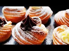 Hello everyone, today's baking recipe is Homemade Croissant Muffin or Cruffin. Breakfast Pastries, Bread And Pastries, Yummy Treats, Delicious Desserts, Yummy Food, Cruffin Recipe, No Bake Desserts, Dessert Recipes, Dessert Cups
