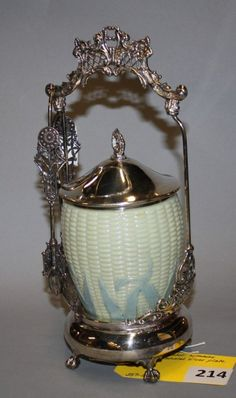 VICTORIAN PICKLE CASTOR WITH ART GLASS NAIZE INSERT, MARKED COLONIAL SILVER PLATE