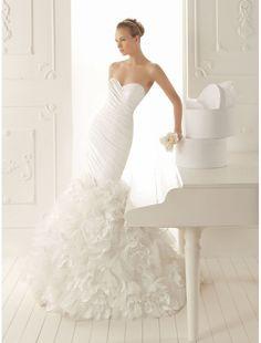 Taffeta Sweetheart Neckline Mermaid Wedding Dress with Floral Ruffle Skirt