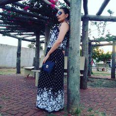 Vestido de mamis fazendo sucesso rsrs, será que devolvo?   http:/frescachic.blogspot.com.br/  #frescachic #blogueirasever #instabgs #dress #behappy #boanoite #night #mamispoderosa #lookoftheday #photooftheday #modaparameninas #pausaparafeminices #blackandwhite