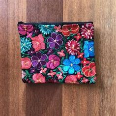 A contemporary collection of Mexican & Bohemian style Home Decor, Fashion & Jewellery. Our pieces are carefully selected for their beauty, uniqueness & quality. Mexican Home Decor, Bohemian Style, Fashion Jewelry, Handbags, Contemporary, Floral, Beauty, Collection, Totes