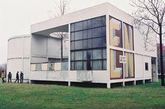 1924: Pavillon de L'Esprit Nouveau
