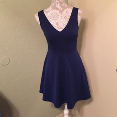 """Royal blue dress Beautiful royal blue dress that I wore once but it was just a little too short for me. It is 29.5"""" long. Great dress I wish I could keep it I got tons of compliments on it. Forever 21 Dresses Mini"""