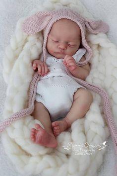 183a5300476 Very Realistic Newborn baby