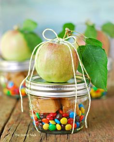Homemade caramel apple in a jar makes a fun end of year teacher gift (if they're ok with apples!) | The Gunny Sack