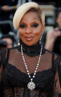 Mary J Blige wearing a High Jewellery necklace and earrings by Avakian at the premiere of The Meyerowitz Stories in Cannes