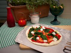 Yes you can cook incredible #pizza at home with an #uuni #pellet oven.uuniusa.com