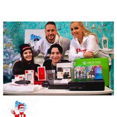 """PoPhone.eu on Instagram: """"Elérkezett a várva várt 1000. posztunk!😍 • Van egy jó hírünk számotokra!✋🏻 • Karácsony alkalmával készültünk nektek egy nyereményjátékkal!🎉…"""" Polaroid Film, Instagram"""