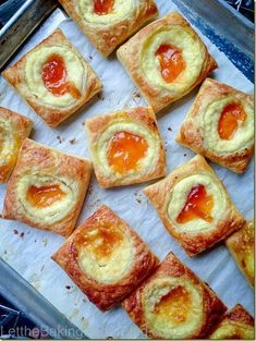 Apricot Cheesecake Pastries, find out how to keep the filling perfectly in place when baked - puff pastry, cream cheese filling and apricot jam Brunch Recipes, Sweet Recipes, Breakfast Recipes, Dessert Recipes, Sweet Breakfast, Just Desserts, Delicious Desserts, Yummy Food, Pavlova