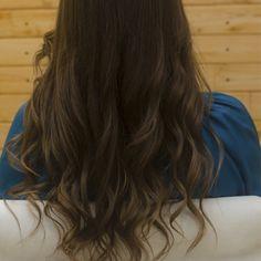 Cómo hacer ondas en el pelo con una plancha plana