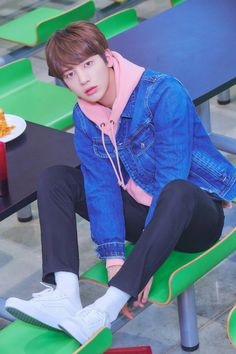 TXT dévoile de premières photos teasers pour ses débuts – K-GEN Jhope, Taehyung, Twice Chaeyoung, Steve Aoki, Mamamoo, K Idols, Jonghyun, South Korean Boy Band, Vixx
