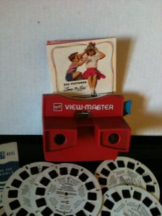 Had one of these! The pictures were so bright and clear. Afterwards we found out I needed glasses. Maybe that is why the pictures in the viewmaster looked so great to me!