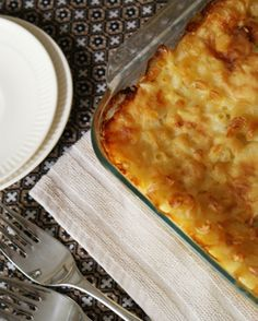 I HAVE to try this mac'n'cheese, especially since I've never had anything like this before. - The Two Bite Club: Momma's Baked Macaroni & Cheese