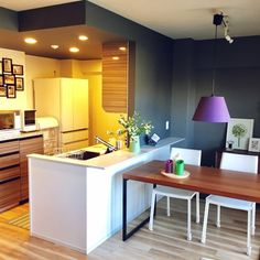 kunkunさんの、部屋全体,マンション,ウォルナット,北欧モダン,壁紙 グレー,新築マンション,壁紙 黒,ボーコンセプト ダイニングテーブル,ボーコンセプト 椅子,のお部屋写真