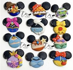 Your place to buy and sell all things handmade Disney Clay Charms, Polymer Clay Disney, Cute Polymer Clay, Cute Clay, Polymer Clay Dolls, Polymer Clay Charms, How To Make Clay, How To Make Bows, Diy Clay Earrings