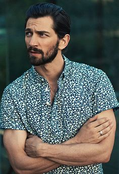 Dutch Daddy cool Michiel Huisman Featured by Mr. Porter - Pret a Pregnant