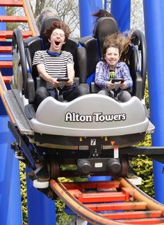 Alton Towers is the largest - and arguably the best- theme park in the UK. Here are 21 signs you're obsessed with it. Scary Roller Coasters, Roller Coaster Ride, Alton Towers Rides, Trips To Disneyland Paris, Legoland Windsor, Amusement Park Rides, Facebook Profile Picture, Holiday Travel, Baby Car Seats