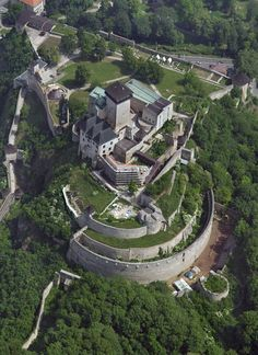 - Trenčín Castle Beautiful Castles, Beautiful Buildings, Beautiful Places, Castle House, Castle Ruins, Monuments, Castle Pictures, Paradise On Earth, Europe Photos